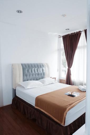 Star Beach Hotel, Toba