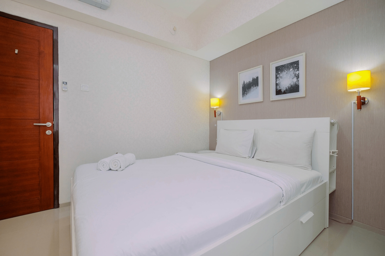 Minimalist and Cozy 2BR The Accent Apartment By Travelio, Tangerang Selatan