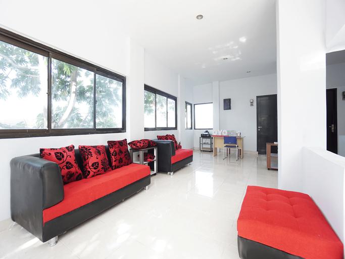 OYO 2566 Putri Kesia Rooms, Manado