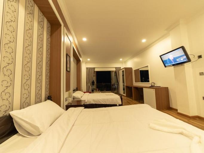 4 Rivers Hotel, Ruessei Kaev