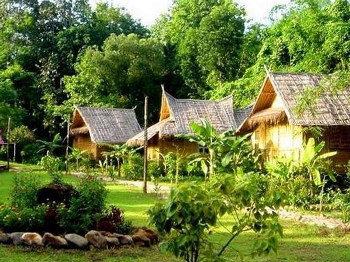 Phu Iyara Resort, Thong Pha Phum