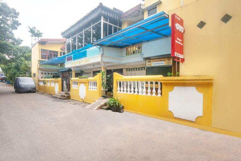 OYO 2256 Danysa Guesthouse Syariah, South Jakarta