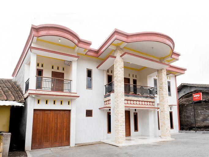 OYO 3076 Lilik Homestay Syariah, Magelang