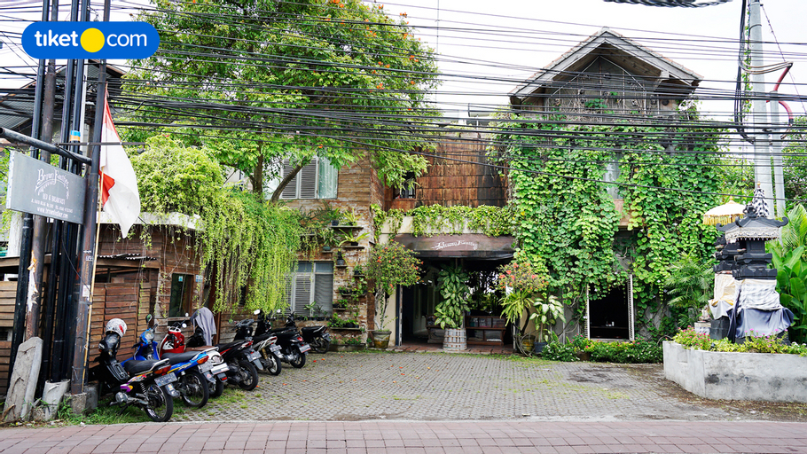 Brown Feather Hotel, Badung