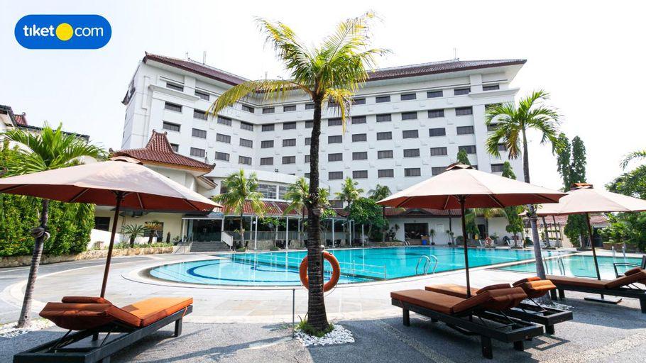 The Sunan Hotel Solo, Solo