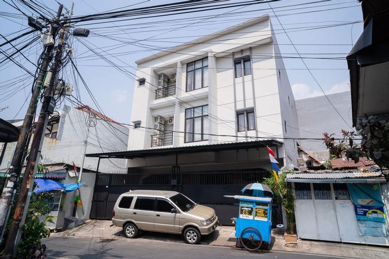 Koolkost near Pasar Baru (Minimum Stay 6 Nights), Central Jakarta