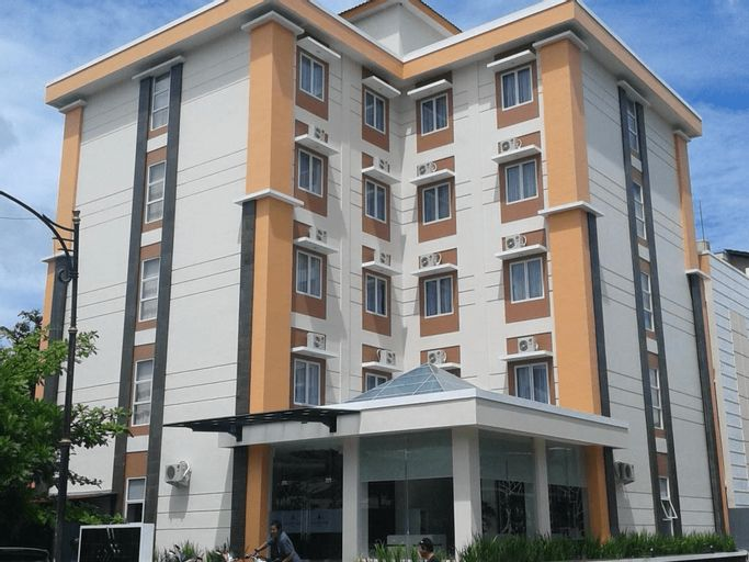 Skyward Hotel Manado, Manado