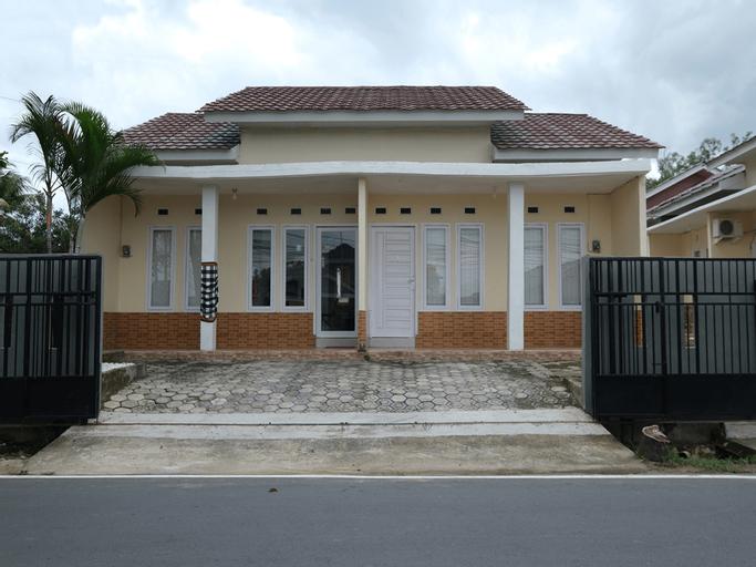 OYO 2551 Mango Residence, Bangka Tengah