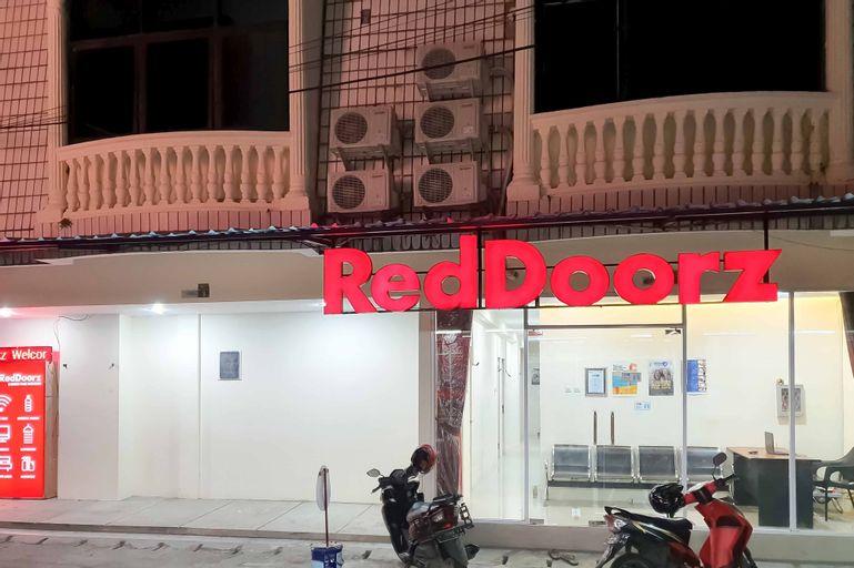 RedDoorz @ Darmo Park 1 Surabaya, Surabaya