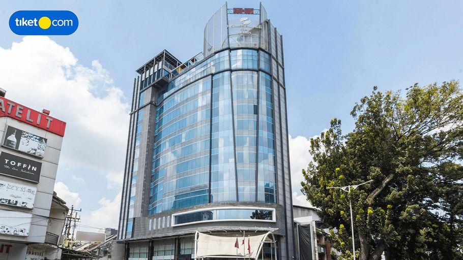 Hermes Palace Hotel Medan by BENCOOLEN, Medan