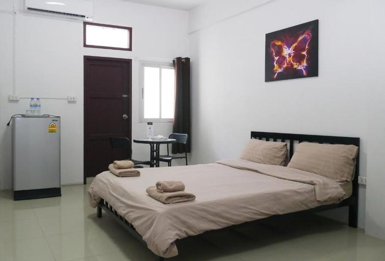 Baan Mai Guest House, Bang Na