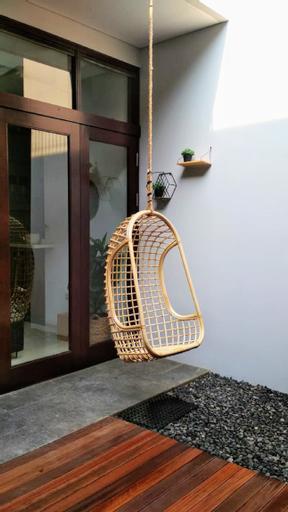 Cottonwood Stay Villa Sutami 4BR  8-persons, Bandung