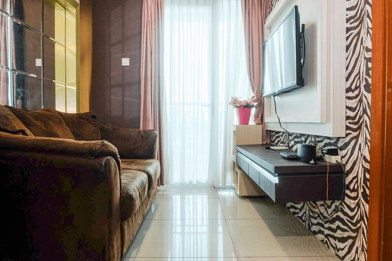 Good Location with Simply Furnished 1BR Apartment Woodland Park By Travelio, Jakarta Selatan