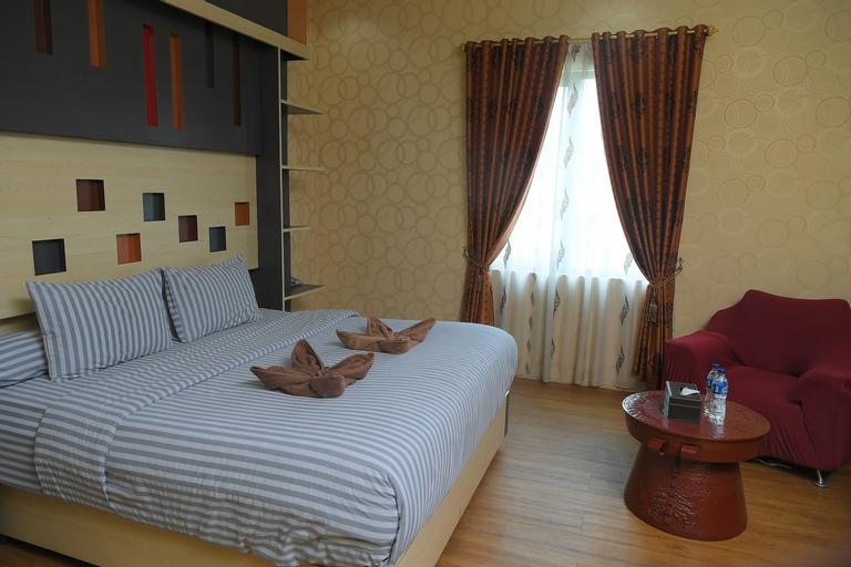 FAMILY INN HOTEL, Merangin