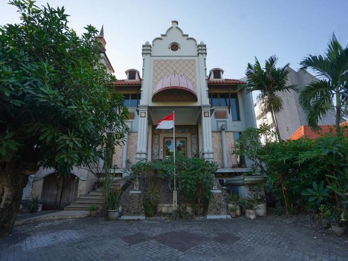 Hoormoes House By Ziri, Surabaya