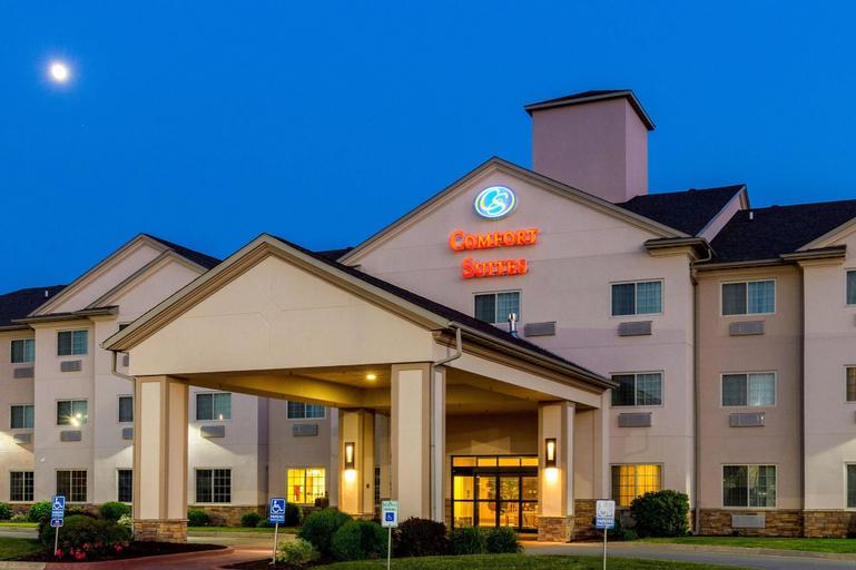 Comfort Suites Burlington, Des Moines