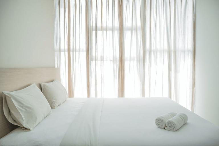 Comfy and Minimalist 1BR @ Brooklyn Alam Sutera Apartment By Travelio, Tangerang Selatan