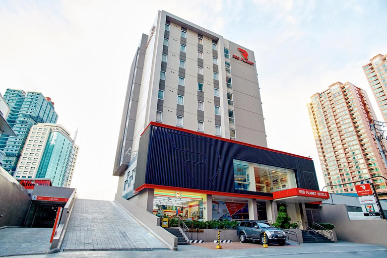 Red Planet Manila Amorsolo, Makati City