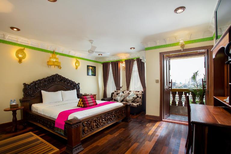 Okay Palace Hotel, Ruessei Kaev