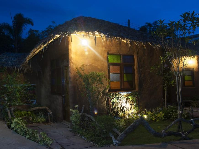 Baandin Rimnum Resort, U Thong