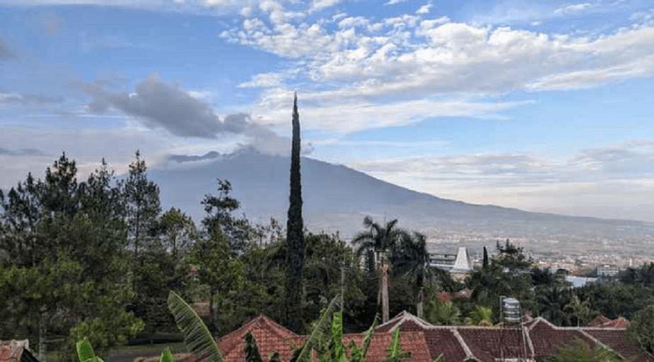 Villa Panderman Hill 3 Bedroom Best View, Malang