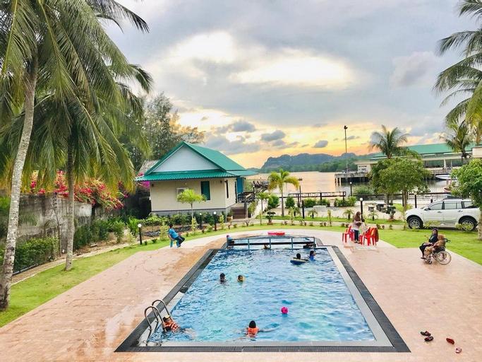 The Coco Grand Chalet Pakbara, Langu