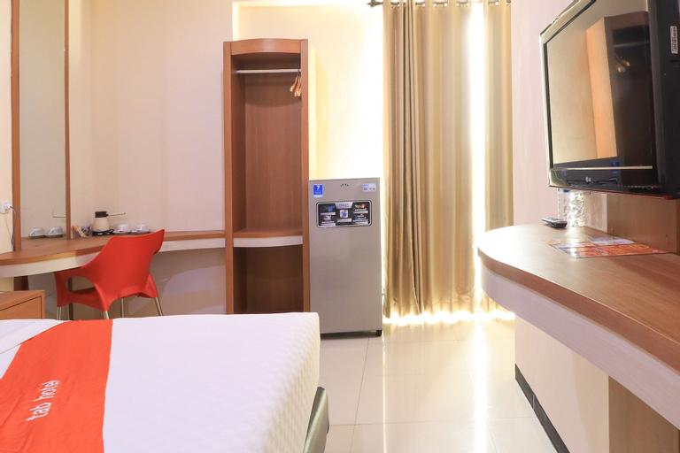 Tab Hotel Darmo Permai Surabaya, Surabaya