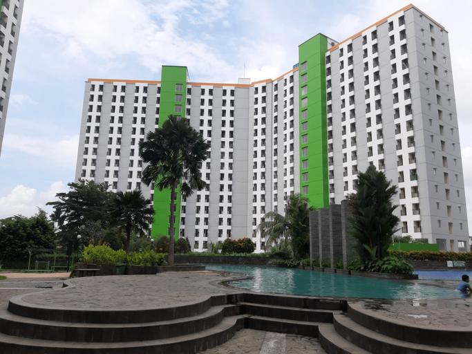 OYO 3221 Green Lake View Ciputat Tower E, South Tangerang