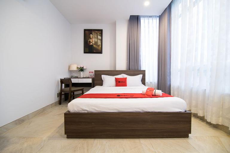 RedDoorz Premium near Hang Xanh, Bình Thạnh