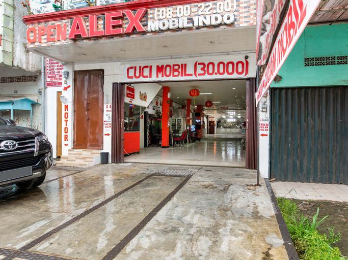 OYO 3420 Alex Hostel, Palembang