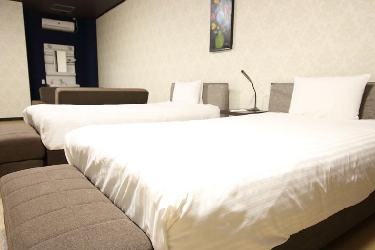 White Beach Inn Ishikawa, Uruma