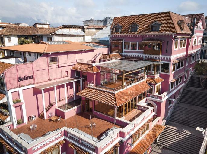 Selina Cuenca, Cuenca