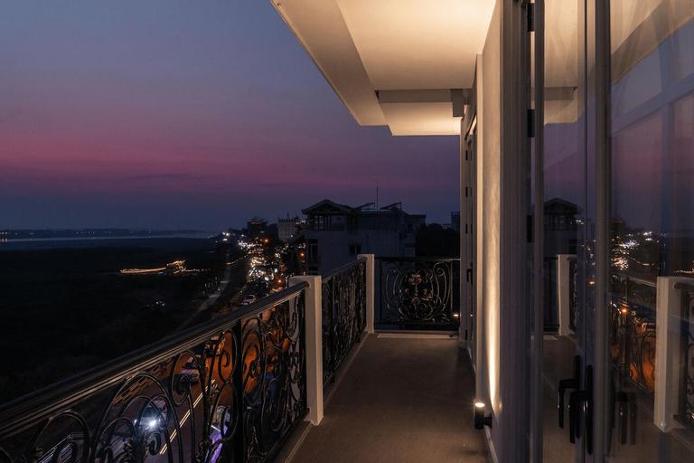 La Seine Hotel by Burasari, Sisattanak