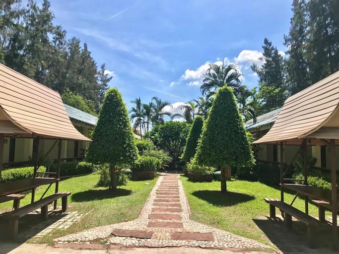 The Pine Resort, Sam Khok