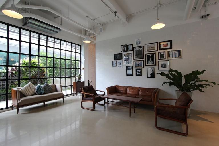 Beat Hotel Bangkok, Wattana
