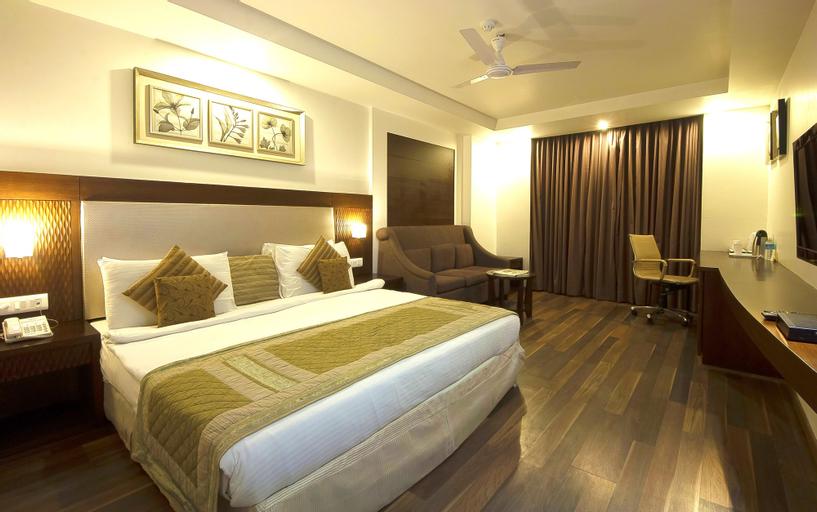 Hotel Le Roi, West