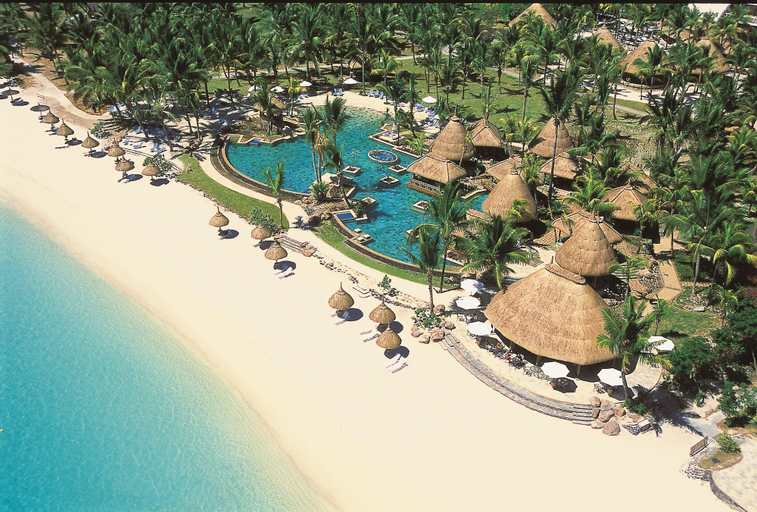 La Pirogue A Sun Resort,