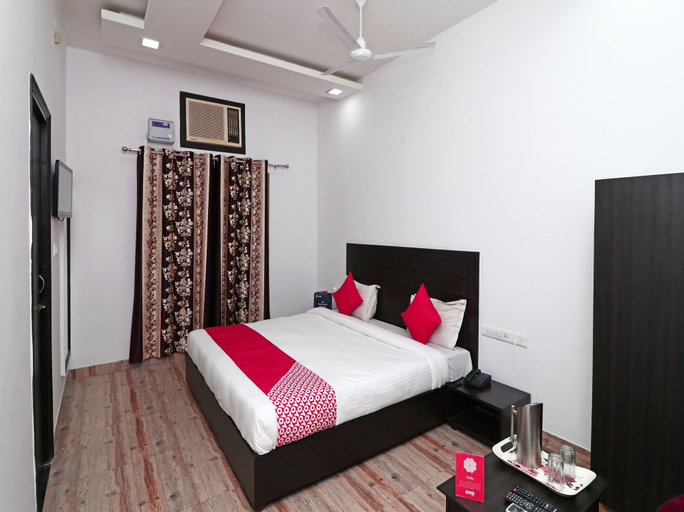 OYO 16080 The Royal Orchid, Gorakhpur