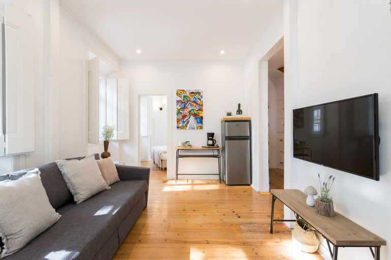 Alfama Tale Four-Bedroom Apartment w/ River View - by LU Holidays, Lisboa