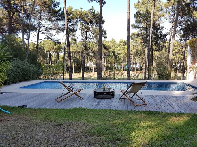 Aroeira Paradise Villa by Host-Point, Almada