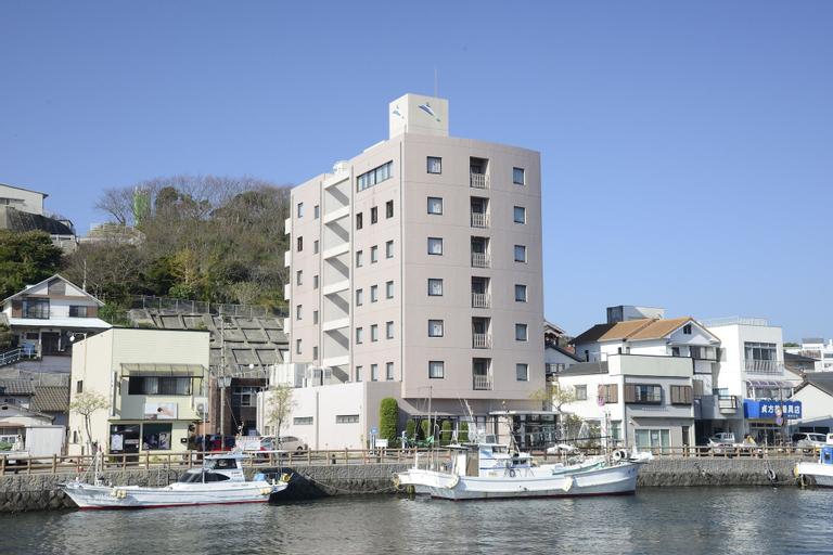 Iki Marina Hotel, Iki