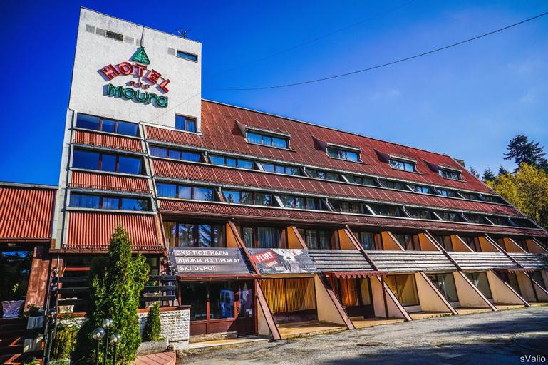 Moura, Samokov