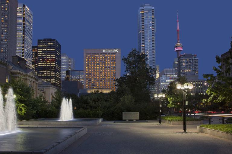 Hilton Toronto, Toronto