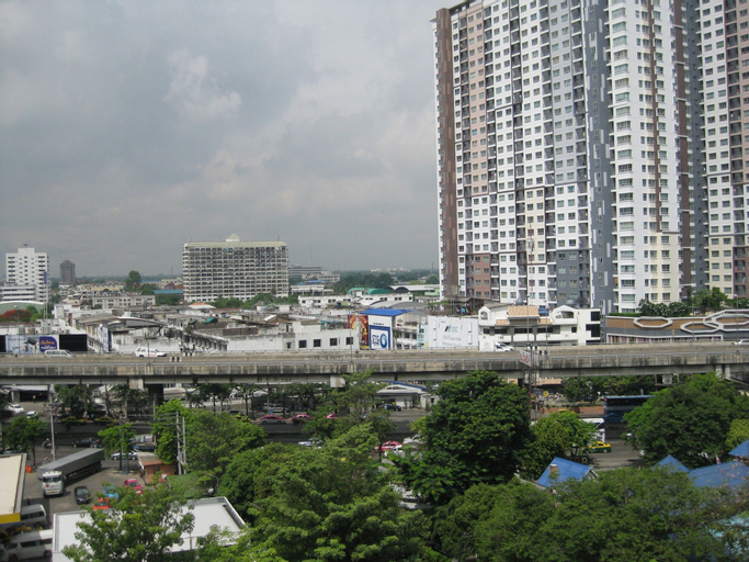 Komol Residence Bangkok, Bang Plad