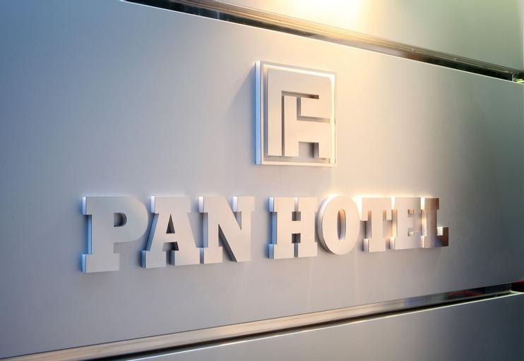 Pan Hotel, Attica