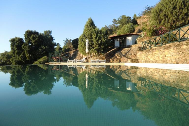 Villa With 3 Bedrooms in Torre de Moncorvo, With Wonderful Mountain Vi, Torre de Moncorvo