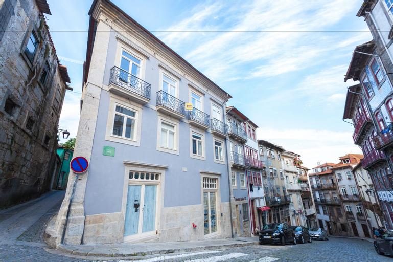 Oporto Invite Taipas Historical Center, Porto