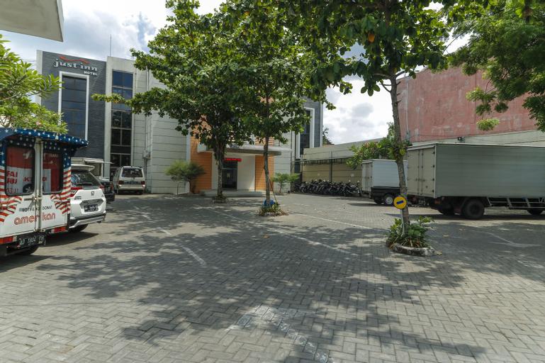 RedDoorz near Universitas Sebelas Maret, Solo
