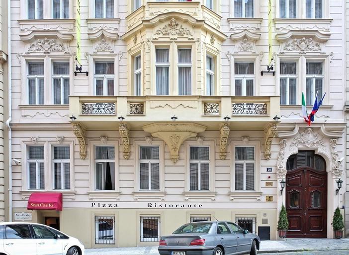 La Ballerina Hotel, Praha 5