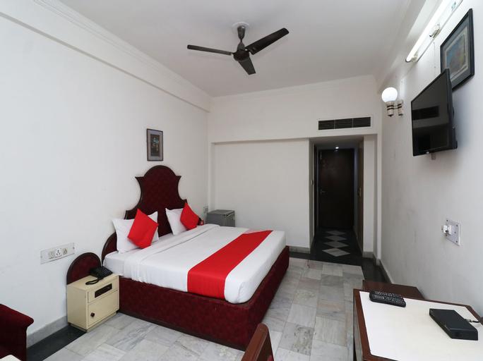 OYO 29566 Hotel Mid Town, Panipat